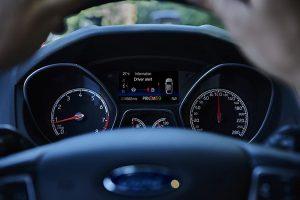 Giải mã những ký hiệu cảnh báo trên trên ô tô – Lạ mà quen